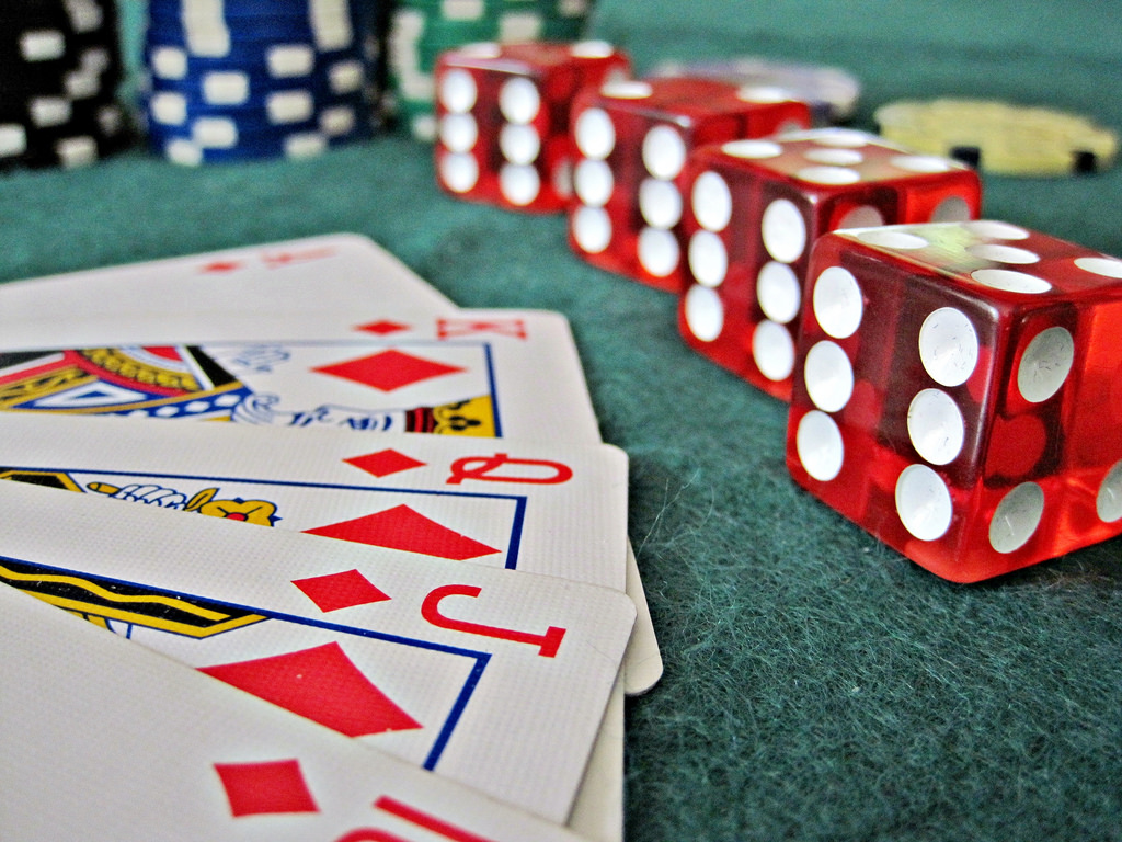 Table Image คาสิโนออนไลน์ ในเกมโป๊กเกอร์